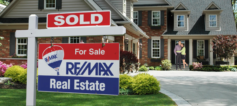Selling Your Home? 4 Signs It's Time to Call a Re/Max Agent