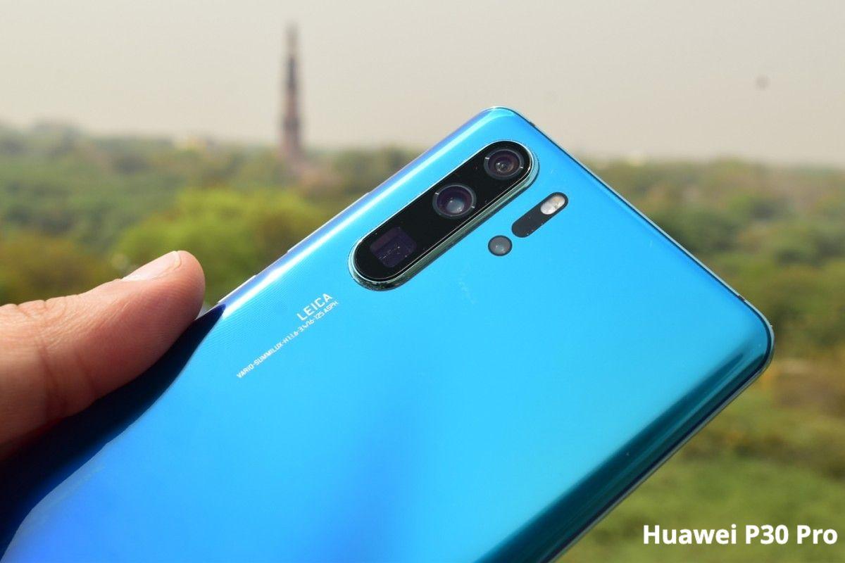 Huawei P30 Pro in Aurora Blue