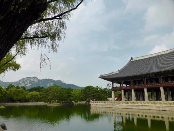 Photograph of Gyeongbokgung Palace in Seoul