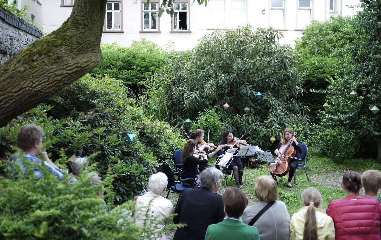 Musik im Hinterhof