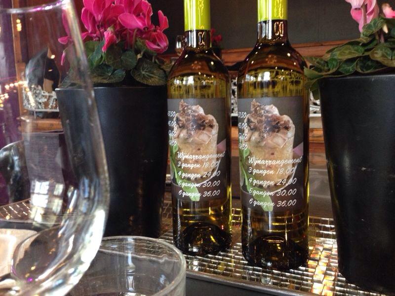 Menukaart op onze wijnflessen