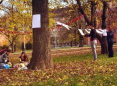 Výstava na stromech