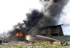 Požár v továrně  Kentex Manufacturing