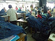 V bangladéšské továrně