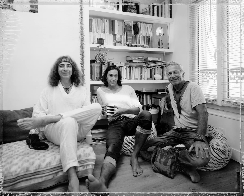 Les Retrouvailles entre 3 yogis Danny Paradise + Mika De Brito + Baptiste Marceau PARIS © photo Richard Pilnick