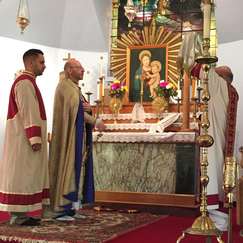 Fr. Findikyan Visits the Armenian Church in Niagara Falls