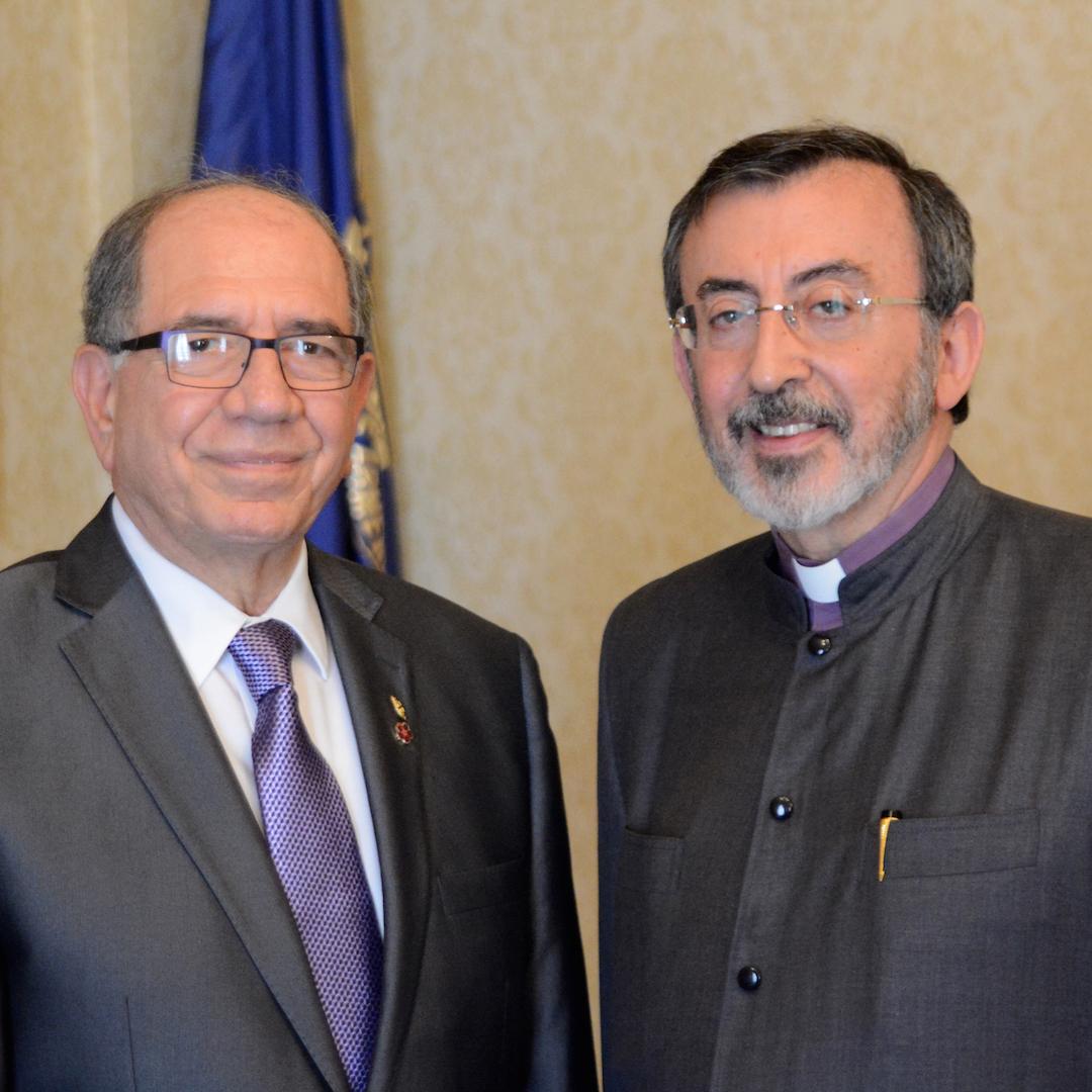 Zaven Khanjian visits Diocesan Center
