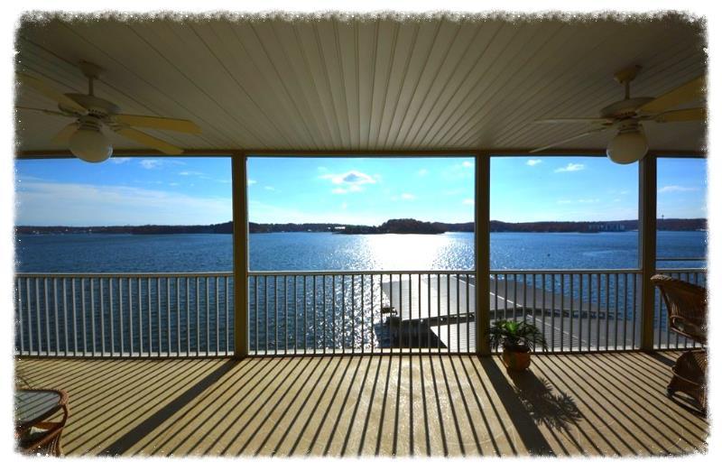 Lighthouse Pointe - Valerie Littrell - sellingthelake.com