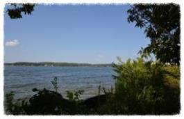 3 Bittersweet Lake Ozark, MO 65049  Valerie Littrell - sellingthelake.com