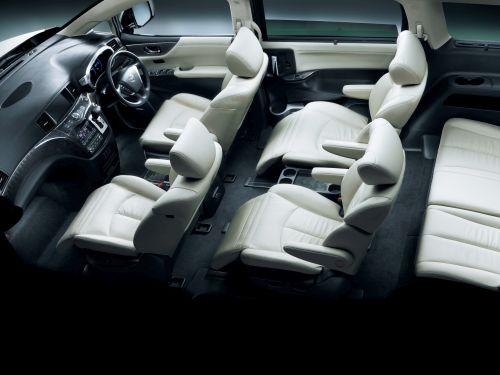 E52 Elgrand interior cutaway