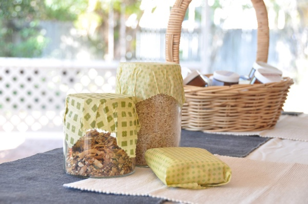 DIY re-useable Beeswax Wraps to decrease waste