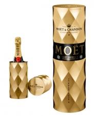 http://www.lovechampagne.co.uk/Christmas-Gift-Ideas/Bollinger-Champagne-La-Grande-Annee-2002-James-Bond-007-EDITIO.html