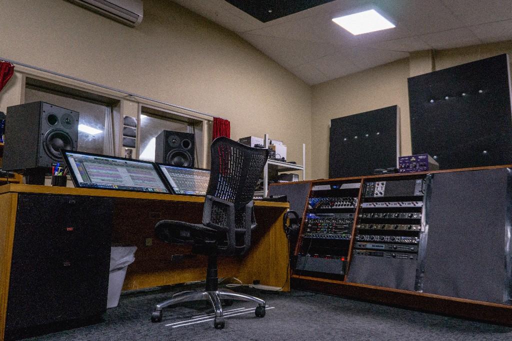 The Stomach Upgraded Studio