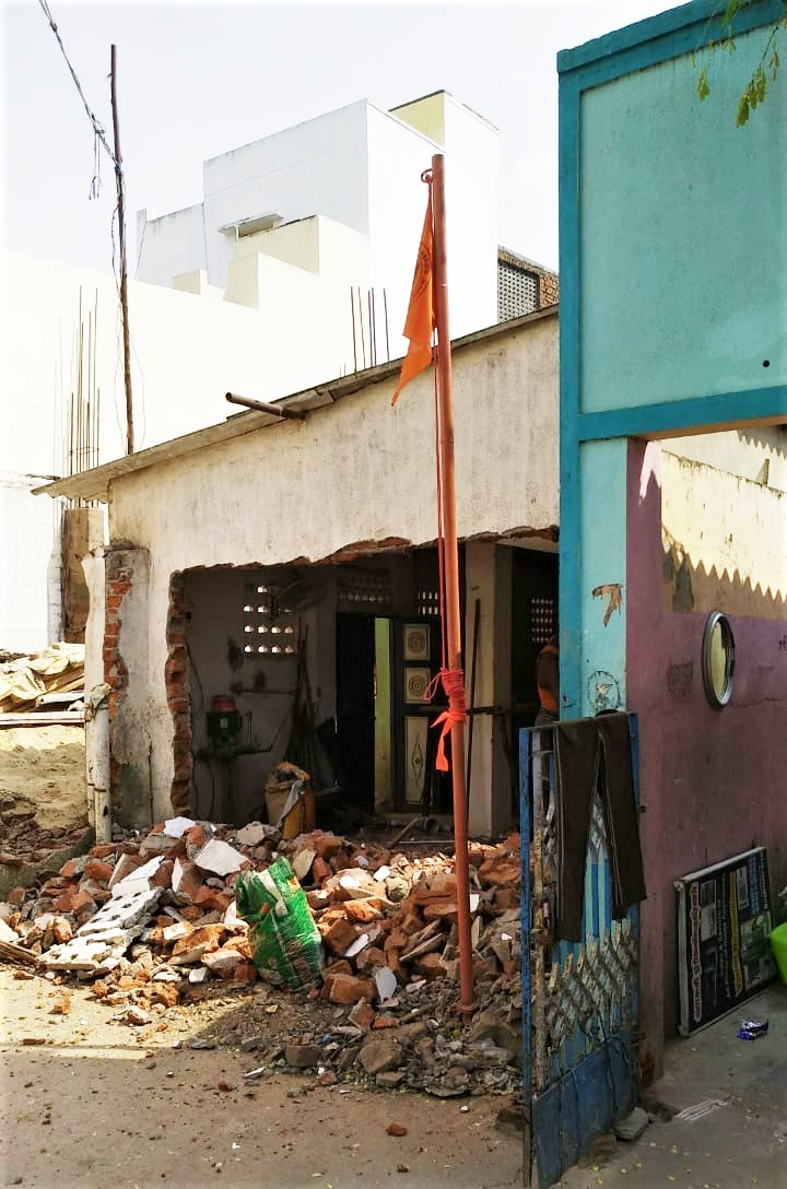 Saffron flag erected by Hindu extremists at half-constructed Believers Prayer Fellowship building in Chennai, India. (Morning Star News)