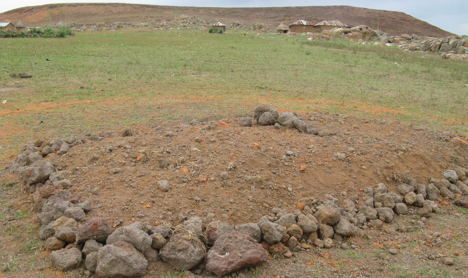 Grave for 15 of the victims of the assault in Mile Bakwai. (Morning Star News photo)