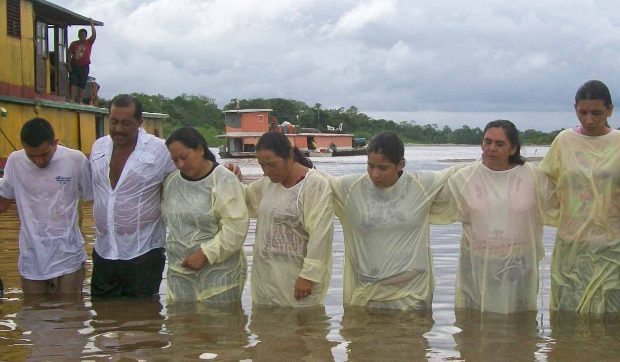 Newly baptized believers in the Putumayo River. (Morning Star News, David Miller)