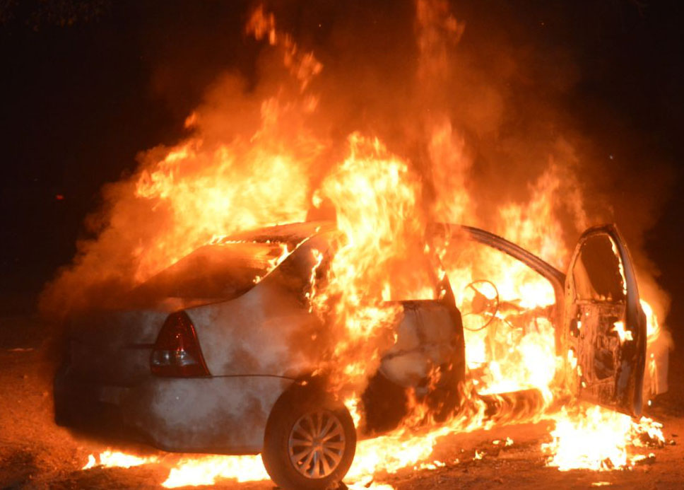 Hindu extremists torched car belonging to priests who tried to visit seminarians arrested while singing Christmas carols in Madhya Pradesh state. (Morning Star News)