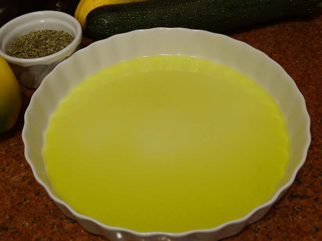 pie form with olive oil