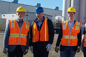 Congressman Newhouse and Kilmer visit the Vit Plant.