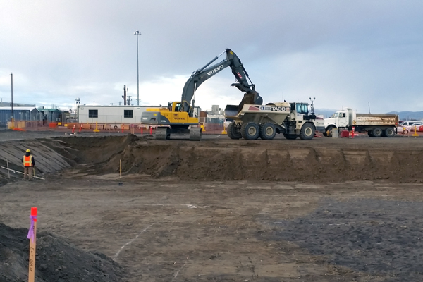 Hanford Vit Plant employees perform excavation work for the Effluent Management Facility.