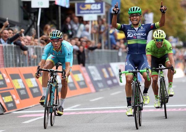 Esteban Chaves wins Il Lombardia - © ANSA - Peri / Bazzi