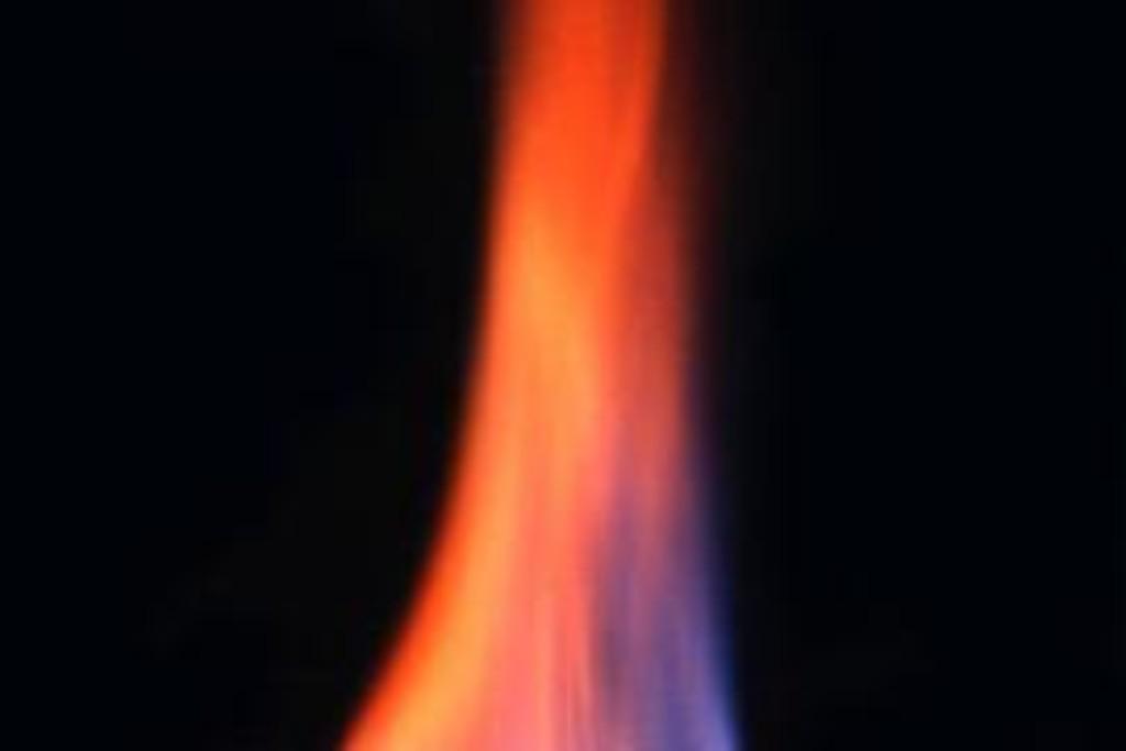 Gay hydrates burning. Credit:  J. Pinkston and L. Stern/ USGS