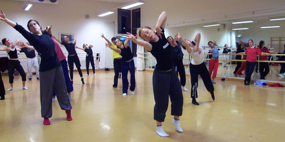 Danssommarjobb för unga
