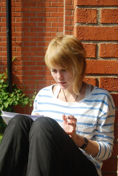 Elev på skrivarlägret Unga skrivare. Foto: Lisa Eriksson