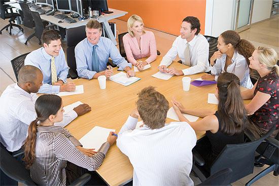 Обсуждение за столом