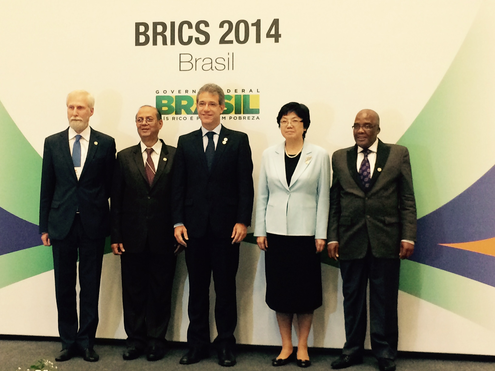 BRICS Health Ministers Make Historic Commitment  and Agree to Cooperation Plan on TB at BRICS Ministers of Health Meeting in Brazil