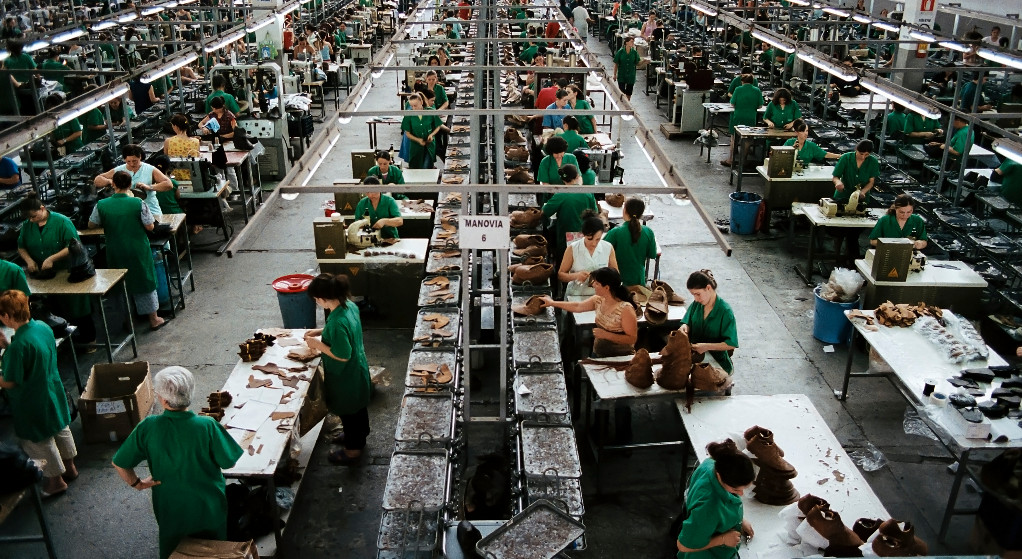 Une usine de chaussure en Albanie © Davide Del Giudice
