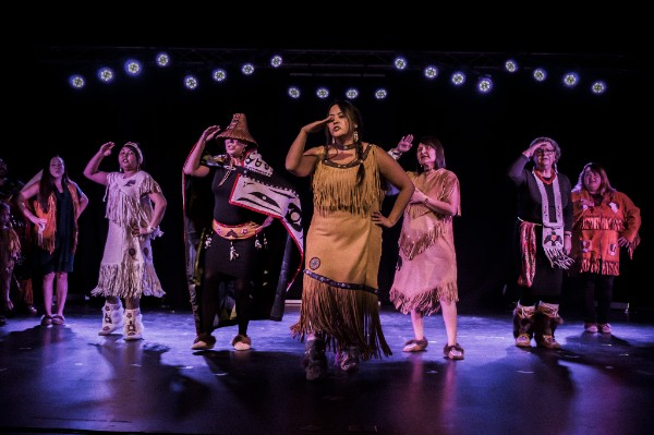 Dakwäkäda Dancers