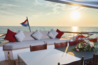 Yachts Charter Special Early Season Offers