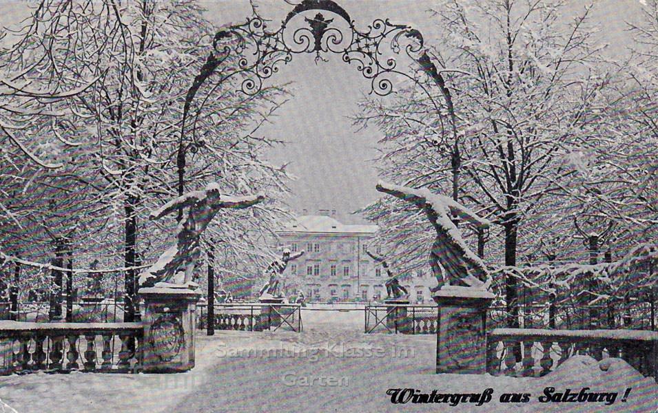 Verschneiter Eingang Mirabellgarten Salzburg