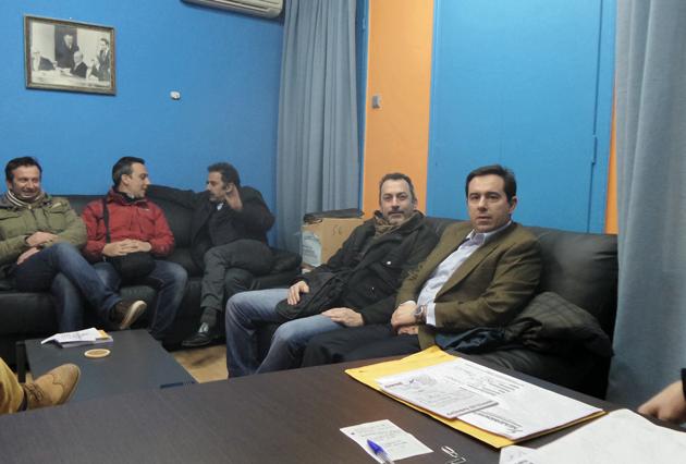 Ο Νότης Μηταράκης στα γραφεία της ΝΟΔΕ Χίου μαζί με τον Πρόεδρο, κ. Πρόδρομο Μανωλάκη