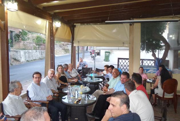 Ο Νότης Μηταράκης με τη ΝΟΔΕ Χίου και τους συνυποψήφιους του στην Καλλιμασιά