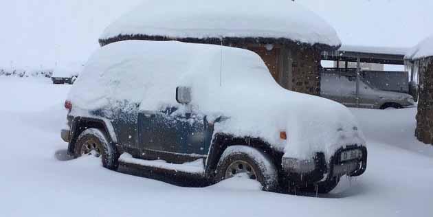Dis nou al winter en die eerste sneeu het geval -  dié foto is onlangs by die Sani Lodge geneem.