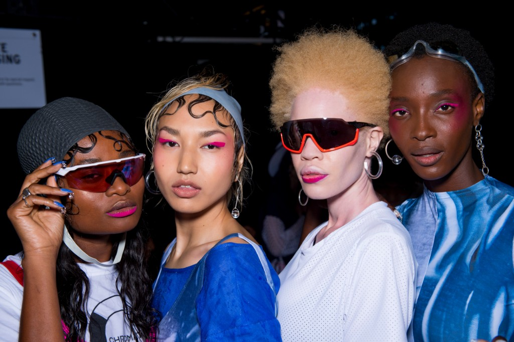 models backstage access power femme