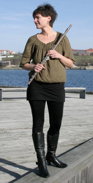 Fløjtenist Betina Zielke spiller med ved Julemusik for alle pengene.