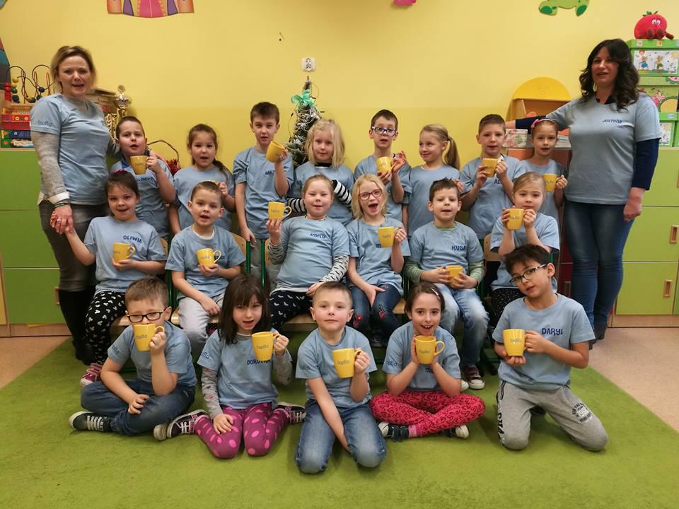 Tapflo Польша   поддерживает местную начальную школу в Тчеве