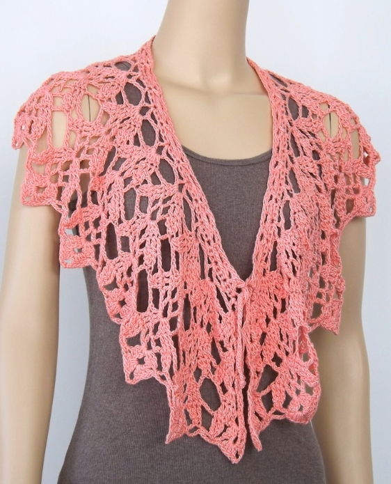 """Corsair"" collar by Doris Chan in Peachy Sheen Lotus yarn"