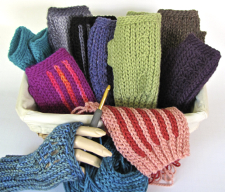Luckyslip Mitts: Slip Stitch Crochet in Several Wools