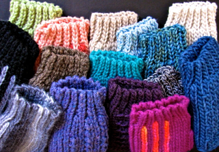 Luckyslip Mitts: A Test of Wools