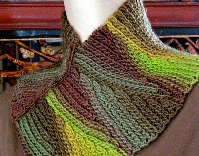 DesigningVashti Crochet Cowl pattern