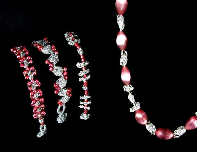 Sweet Almonds Jewelry Set that combines 2 beading methods