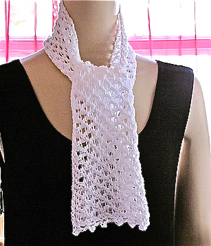 Wicker scarf