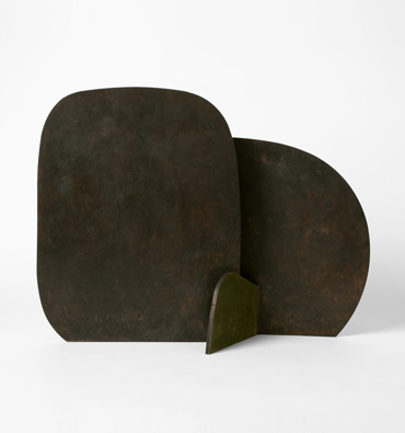 Isamu Noguchi, Kaki-Persimmons, 1982–88. ©The Isamu Noguchi Foundation and Garden Museum, New York/ARS.