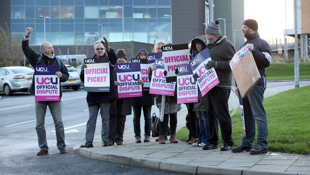 Picket line outside the OU offices in Gateshead, December 2015