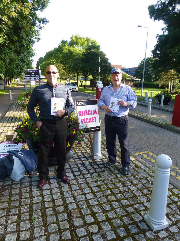 UCU members on one of our Walton Hall picket lines - UCU national pay dispute