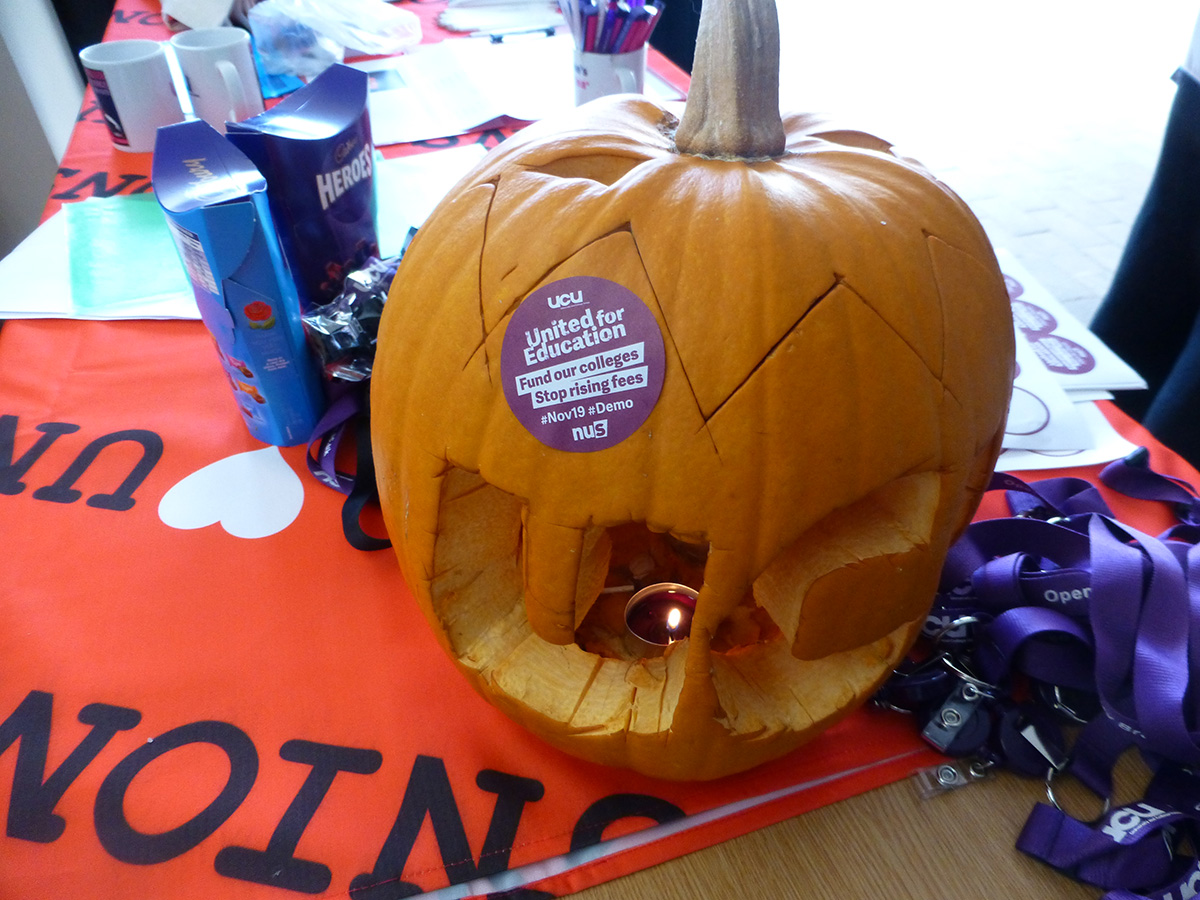 UCU pumpkin on our recruitment table in the wind tunnel, Nov 2016